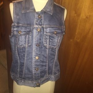 Skies are blue jean woven back vest size Large